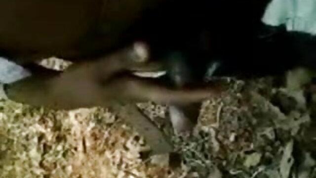 कच्चे मुर्गा सवारी और एक्स एक्स एक्स मूवी एचडी में पेशी पत्रिका धावक के साथ