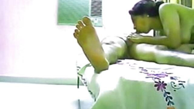 पूर्व जीवन रक्षक सेक्सी मूवी एचडी वीडियो Squirts Dildo के बाद खुद को थप्पड़ मारा!
