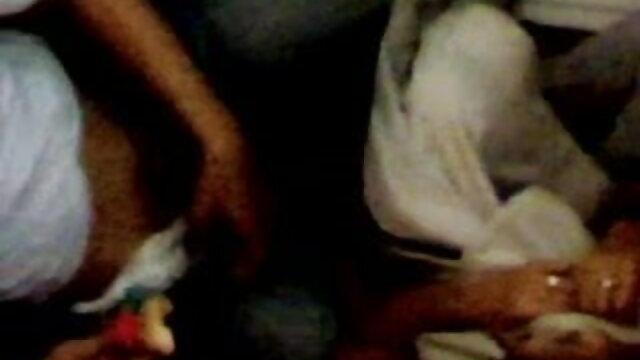 काले हिंदी सेक्स फुल मूवी एचडी समलैंगिक त्रिगुट ठग चूसने मुर्गा
