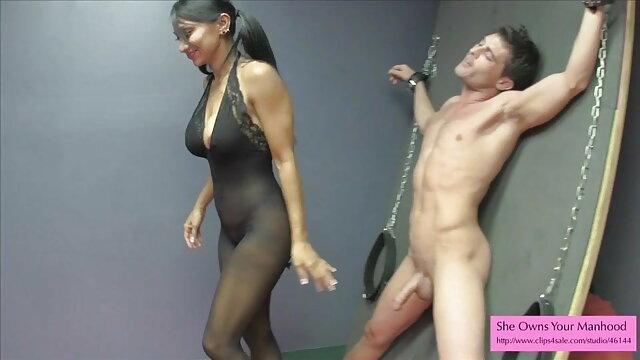 वह बनाता है सेक्सी मूवी एचडी Tanja के स्तन woobling