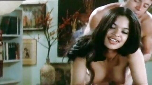 एशियाई मॉडल मुर्गा सेक्सी वीडियो मूवी फुल एचडी आनंद मिलता है