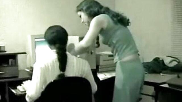 एक देसी सेक्सी एचडी मूवी पिंजरे में मुश्किल क्लासिक अश्लील दृश्य