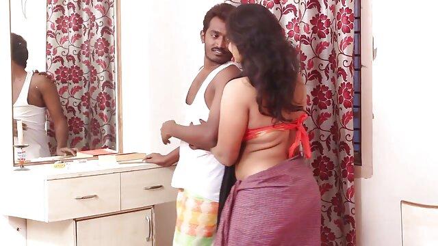 एक काले और सफेद फीता सेक्स वीडियो फिल्म फुल एचडी में में एरिरिका कैटेगिरी