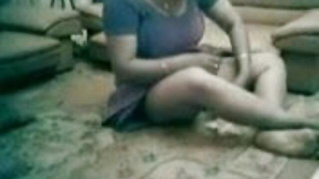 इंदिरा उसके गुलाम उसके पैरों एक्स एक्स एक्स सेक्सी मूवी एचडी के साथ घुट