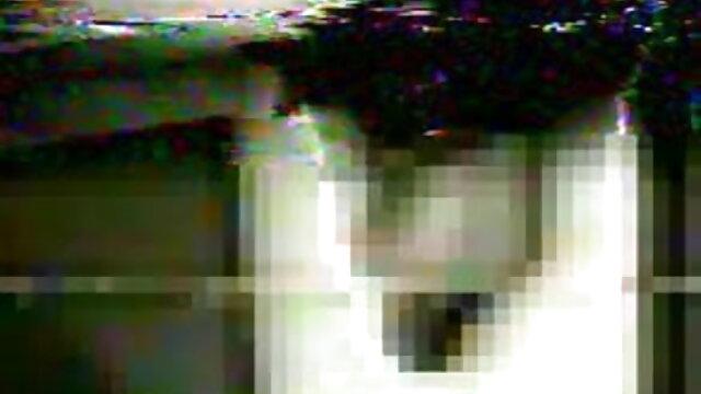 फेंकने के छोटे बालों हिंदी वीडियो फिल्म सेक्सी एचडी वाली चैक लड़कियों