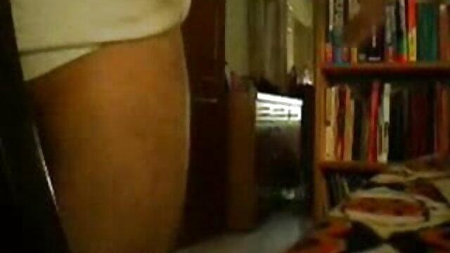 टेडी बियर के साथ सेक्सी बीएफ फुल मूवी एचडी में एक काला मुर्गा उसके मुंह में, गा