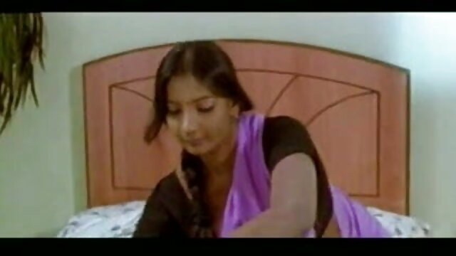 रूथ वेगा फर्नांडीज-मुझे चूमो हिंदी में सेक्सी फिल्म फुल एचडी