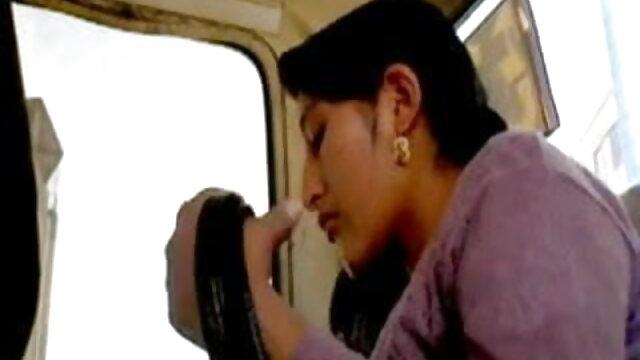 मेरा पसंदीदा वीडियो के अंग्रेजी माँ में: हिंदी मूवी एचडी सेक्सी वीडियो इला, क्लेयर और कैमिला