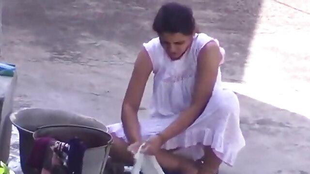 गर्म एशियाई बेब सेक्सी एचडी वीडियो हिंदी मूवी चूसने